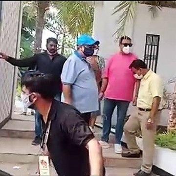 Varun Dhawan's family reaches Alibaug at the venue for Varun-Natasha Wedding