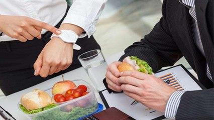 टाइम पर खाएं या भूख लगने पर खाएं? जानें भोजन के नियम | Rules Of Eating | Boldsky