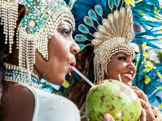 Rio sagt weltberühmten Karneval ab - viel nackte Haut gibt's trotzdem