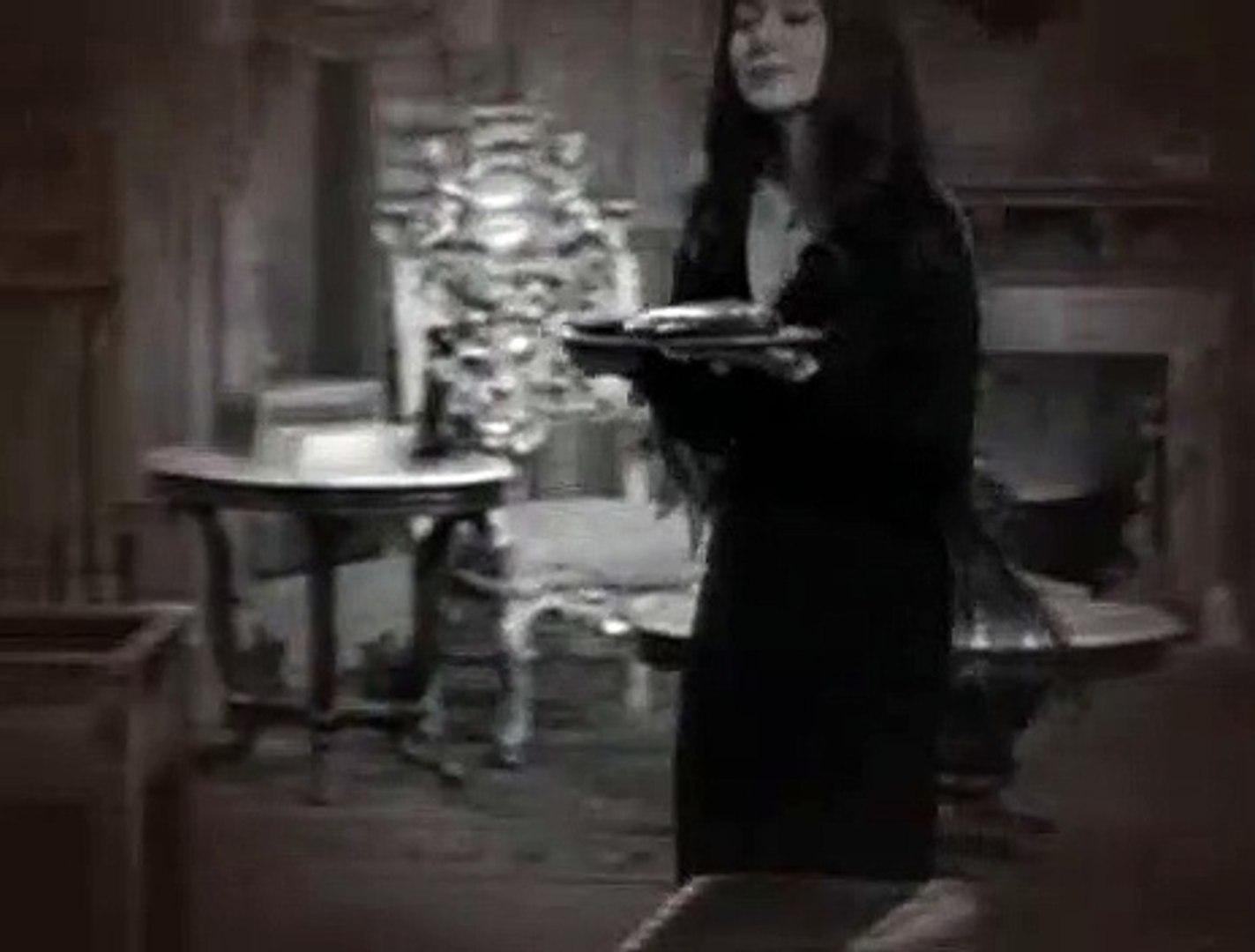 Addams Family S02E26 Cat Addams