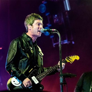 Noel Gallagher's doesn't know if his mother is mad for his music