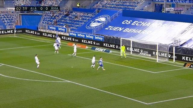 La Liga : Benzema et le Real Madrid régalent à Alavés !