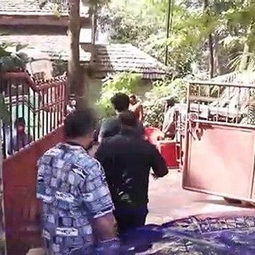 Saif Ali khan and Arjun Kapoor Spotted in Bandra