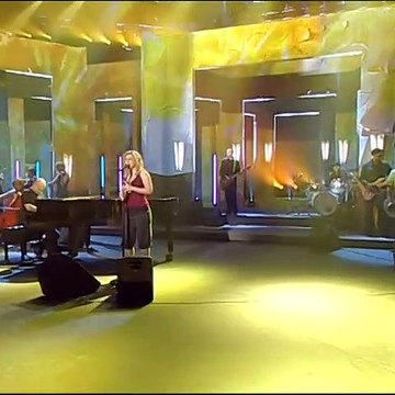 Kelly Clarkson - Because Of You (Live @ Wetten Dass Germany) (2006/03/04)