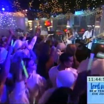 Kelly Clarkson - Since U Been Gone (Live @ MTV Iced Out New Year's Eve 2005) (12/31/2004) SVCD