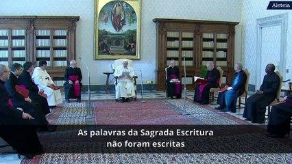 Papa: a Bíblia nos abre ao encontro com o Senhor