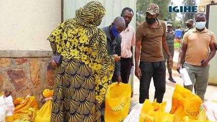 Abatuye Kangondo na Rwezamenyo bahereweho mu gutanga ibiribwa muri #GumaMuRugo y'i Kigali