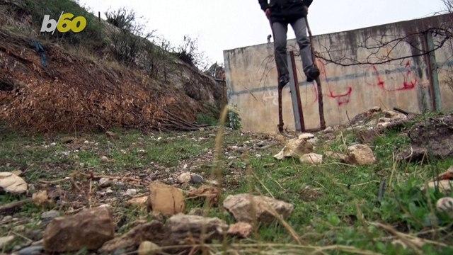 Iraqi Kurd Stilt Walker Hopes To Keep Transportation Tradition Alive in Local Village!