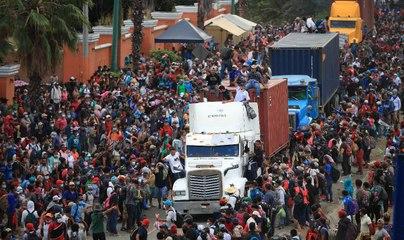 Guatemalan security forces block Honduran migrant caravan heading to US