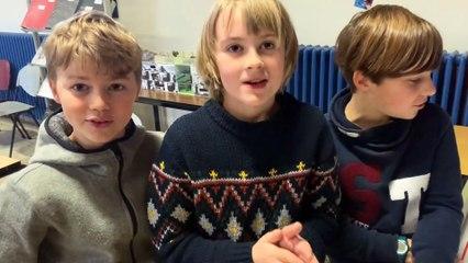Les écoliers programment un robot 1