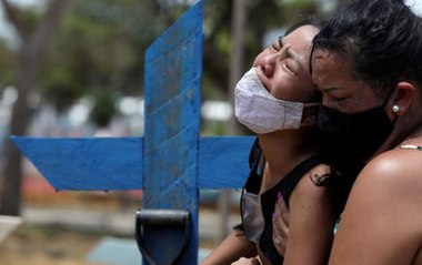 'People are dying at hospital doors': the Brazilian volunteer delivering oxygen to Manaus