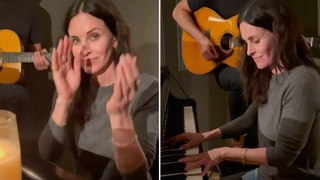 Courteney Cox plays Friends theme song - 2021