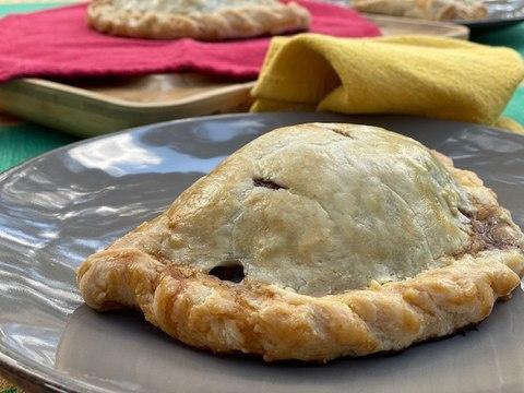 Cornish Pasty o Pastes Tradicionales  - La Cocina Mestiza - Sonia Ortiz con Sonya Santos