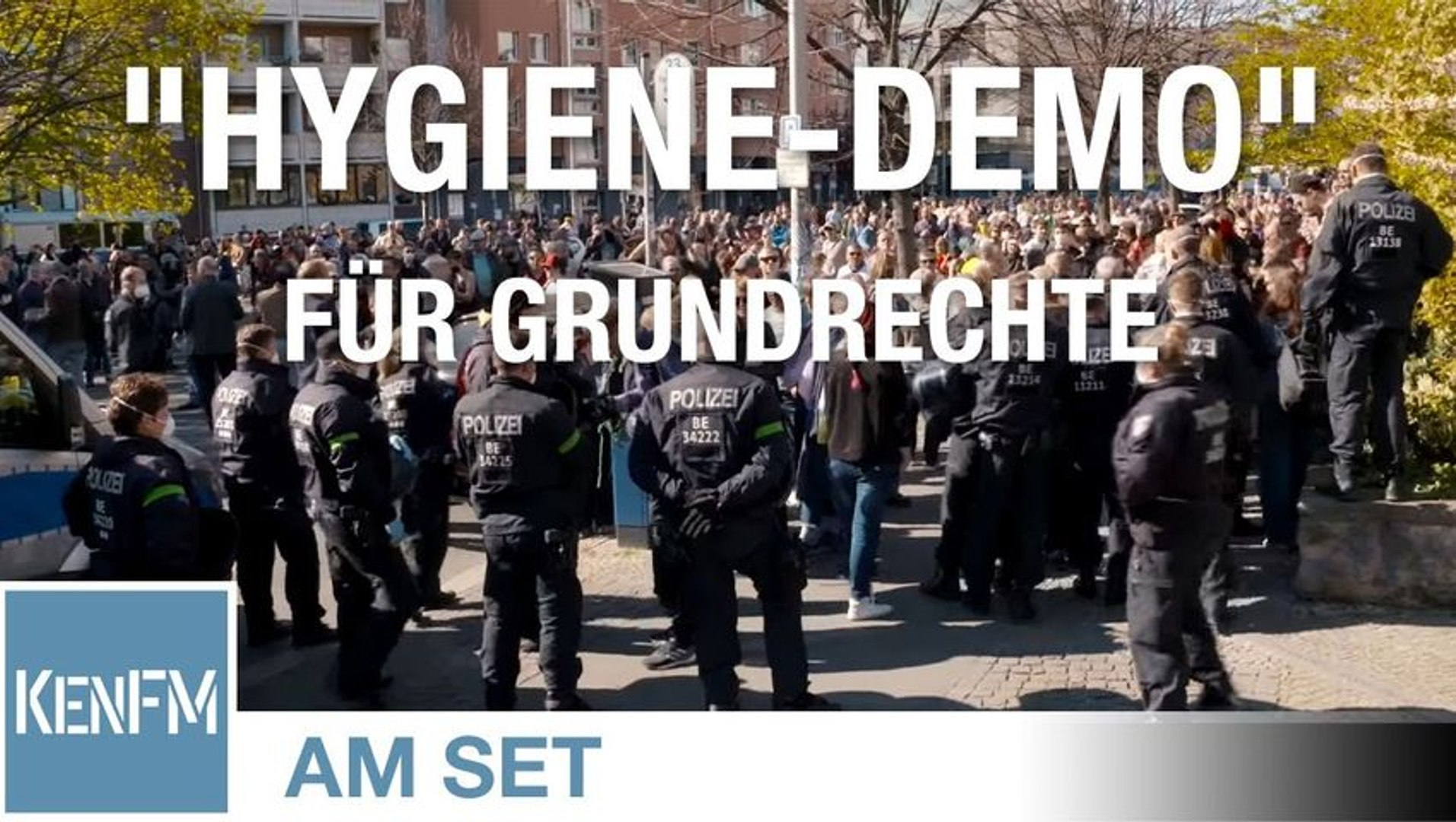 "KenFM am Set: ""Hygiene-Demo"" Rosa-Luxemburg-Platz am 18.04.2020 in Berlin"