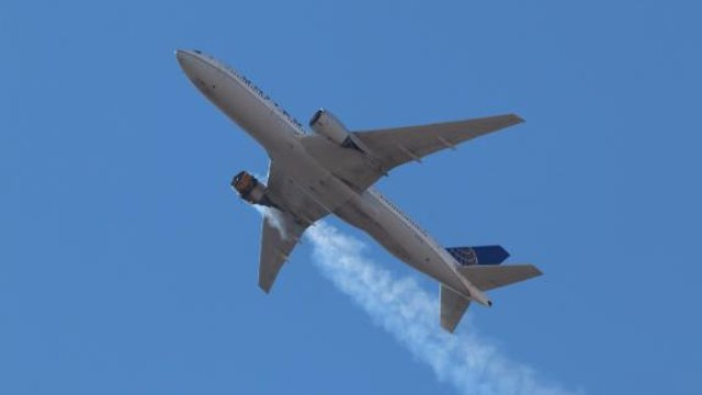 United Airlines pulls Boeing 777s following engine fire