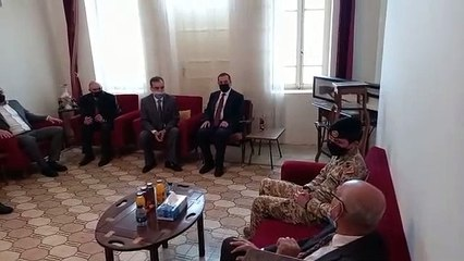 شاهد.. ولي العهد يزور منزل ابناء واحفاد الشيخ ذياب العوران