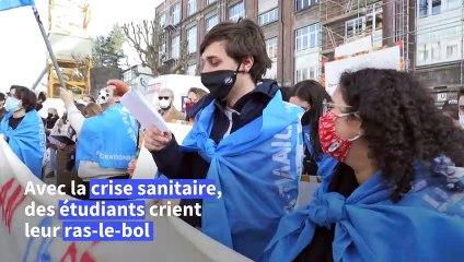 Covid-19: des étudiants manifestent à Bruxelles contre la précarité