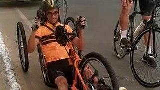Ciclista sousense que ficou paraplégico em acidente volta a pedalar em bike adaptada