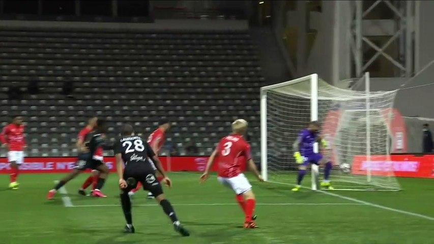 L1 - Le résumé vidéo de la rencontre Nîmes Olympique - FC Lorient