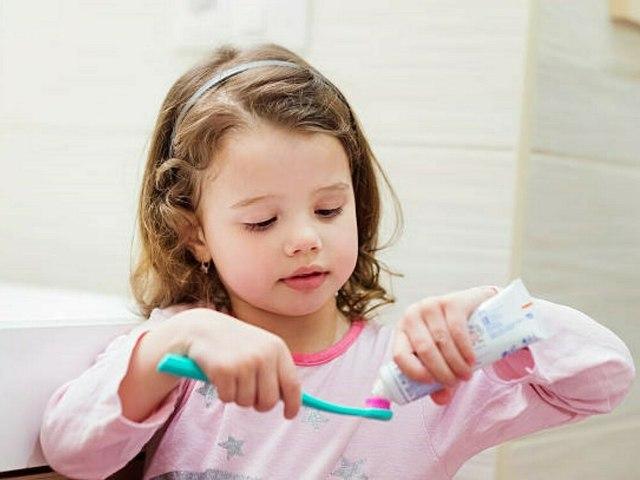 Kinderzahncremes im Test: Diese Produkte fallen durch