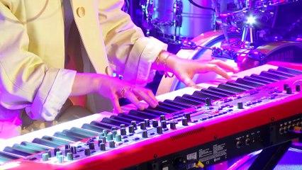 Iliona - Moins joli (Live) - Le Grand Studio RTL