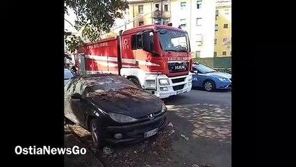 Acilia, incendio in un appartamento in via Alberto Galli
