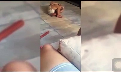 Filmaron a una mujer pegándole a su bebé y subieron el video a las redes