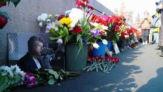 Milhares de russos homenageiam Boris Nemtsov