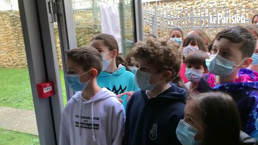 Tests salivaires à l'école : « Je préfère cracher, ça fait moins mal que le coton-tige dans le nez »