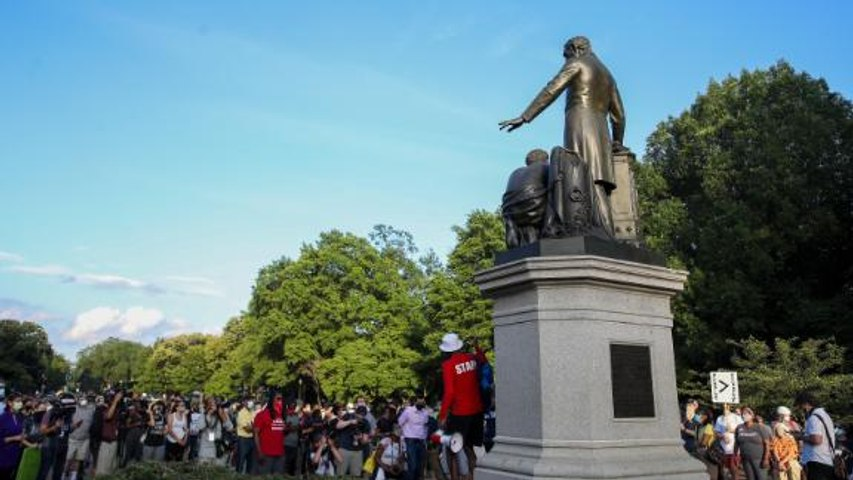 Why some people want this Abraham Lincoln statue taken down