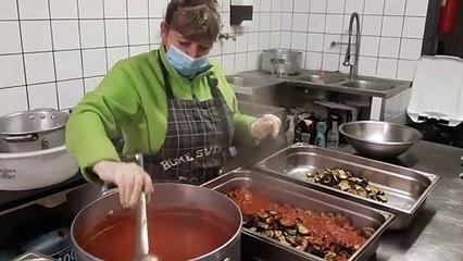 Une restauratrice de Caromb (Vaucluse) offre trente repas chaque semaine aux plus démunis