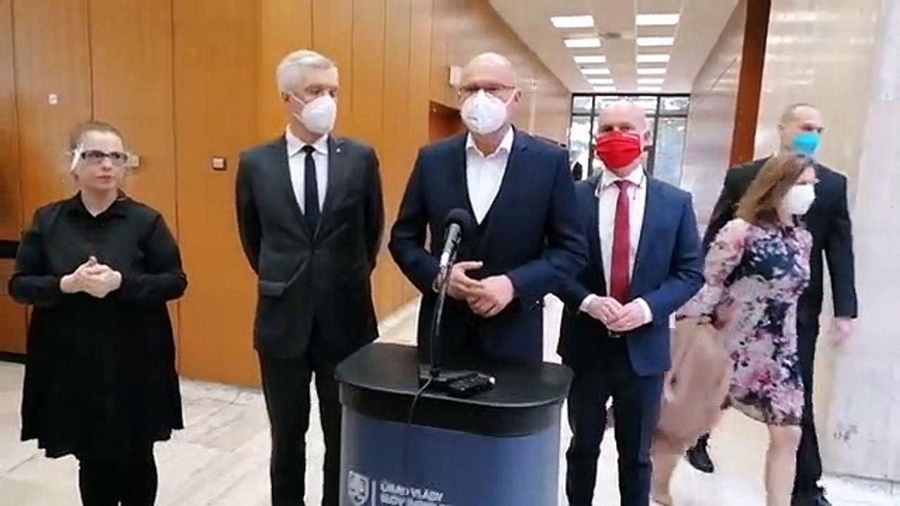 ZÁZNAM: Brífing ministra hospodárstva R. Sulíka
