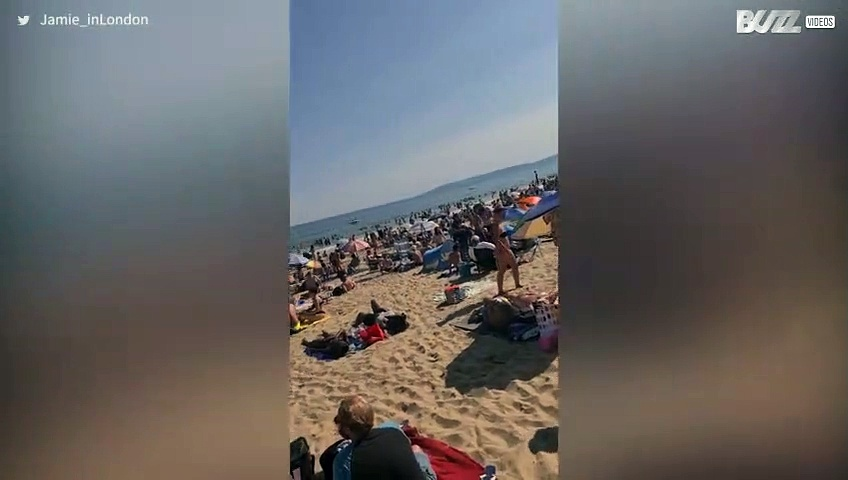 UK beach completely packed during pandemic