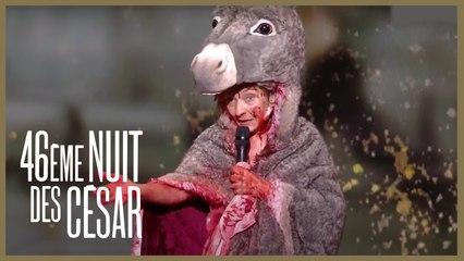 Corinne Masiero en costume de peau d'âne - César 2021