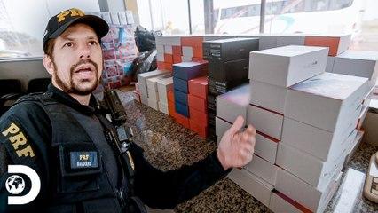 Celular e cigarro contrabandeados em ônibus   Operação Fronteira: América do Sul   Discovery Brasil