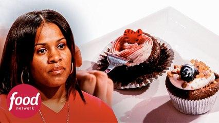 Cupcakes praticamente crus são mal avaliados pelos jurados | A Guerra Dos Cupcakes | Food Network Brasil