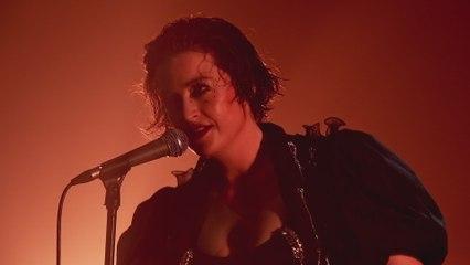Washington - Kiss Me Like We're Gonna Die