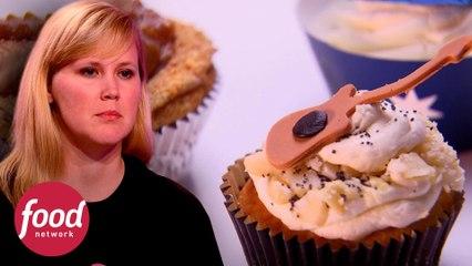 Mãe tira cupcake do forno antes da hora e se complica | A Guerra Dos Cupcakes | Food Network Brasil