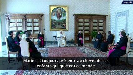 """""""Marie est présente en ce temps de pandémie"""", affirme le pape François"""
