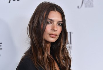 Emily Ratajkowski Shared the Most Gorgeous Breastfeeding Selfie With Baby Sly