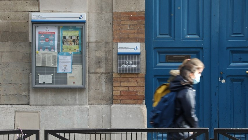 Paris : faut-il les fermer ou les laisser ouvertes ? Les parents divisés sur l'école