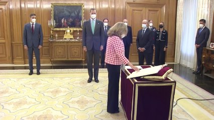 Calviño, Díaz y Belarra prometen su cargo ante el Rey