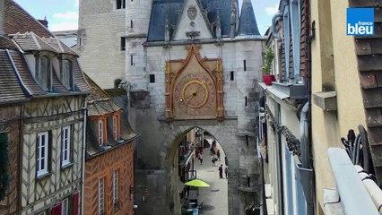 Stéphane Büttner, archéologue nous présente les fondations de la tour de l'horloge à Auxerre