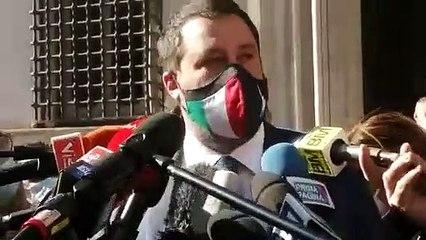 Salvini su riaperture delle attività commerciali