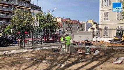 L'installation de la fontaine aux enfants du sculpteur Ernest Gabard au jardin des Beaux-Arts à Pau