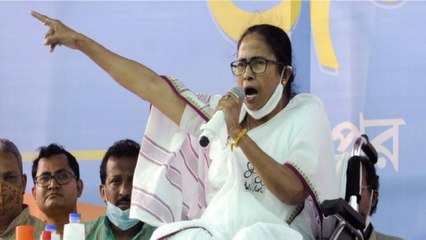 EC sends notice to Mamata over remarks on Central forces