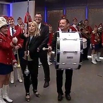 KLIP | Ingrid Buch prøver tambourstav & Morten Pedholt prøver stortromme | 22 Juni 2015 | TV2 NORD - TV2 Danmark