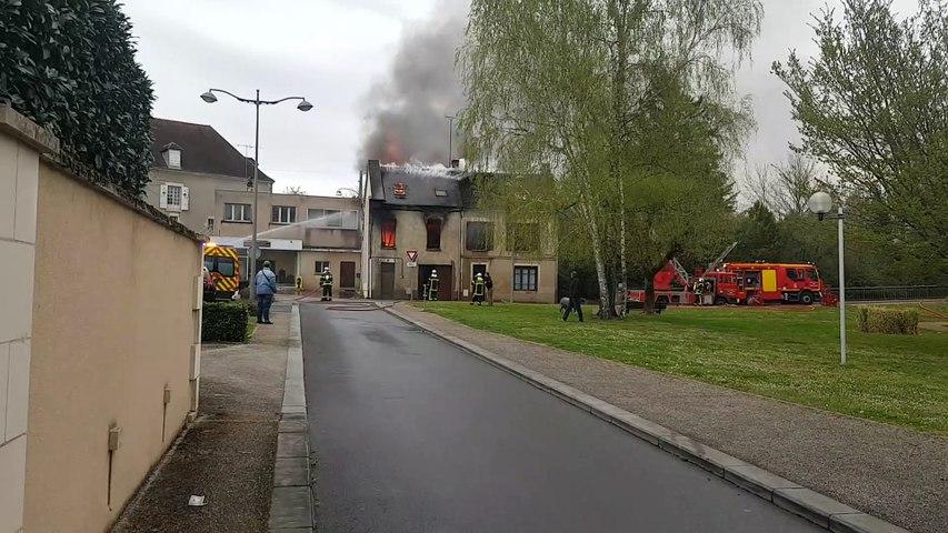 Violent incendie à La Châtre
