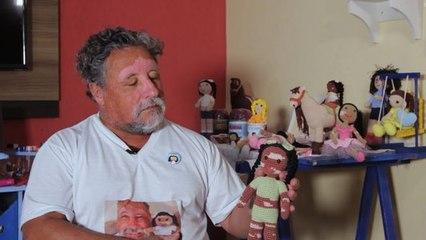Local Heroes: Großvater häkelt einzigartige Puppen mit Vitiligo