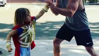 Chris Hemsworth boxing with his son on Thor Love and Thunder set